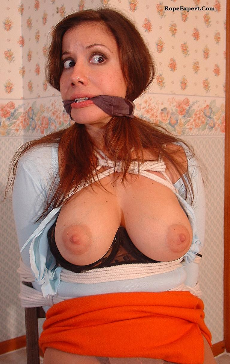 hughes bondage Viviana